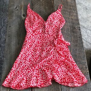 NWT Showpo Red Floral Dress Size 8